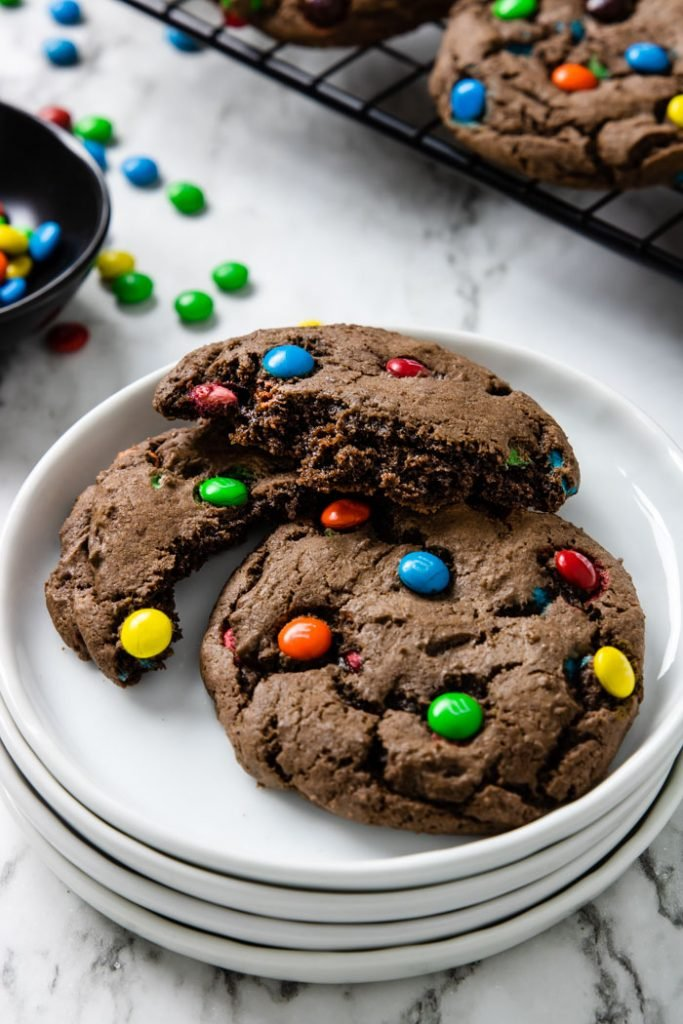 picture showing the fudgy center of the chocolate cake mix cookie