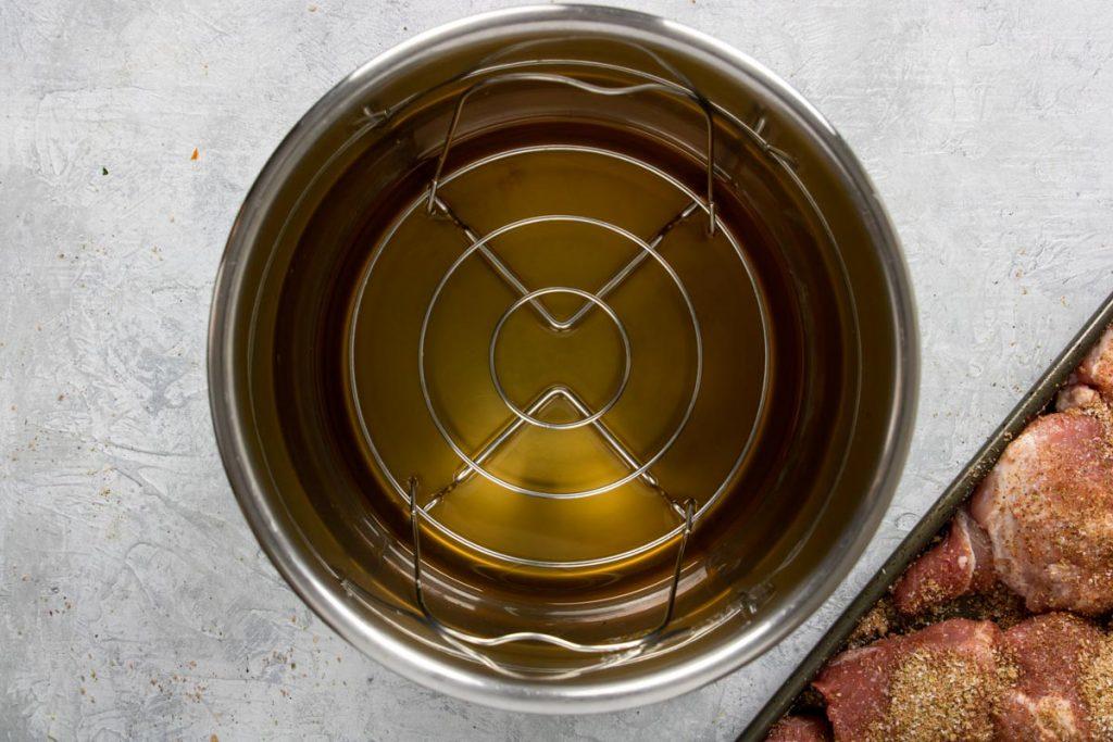cooking liquid and trivet in instant pot