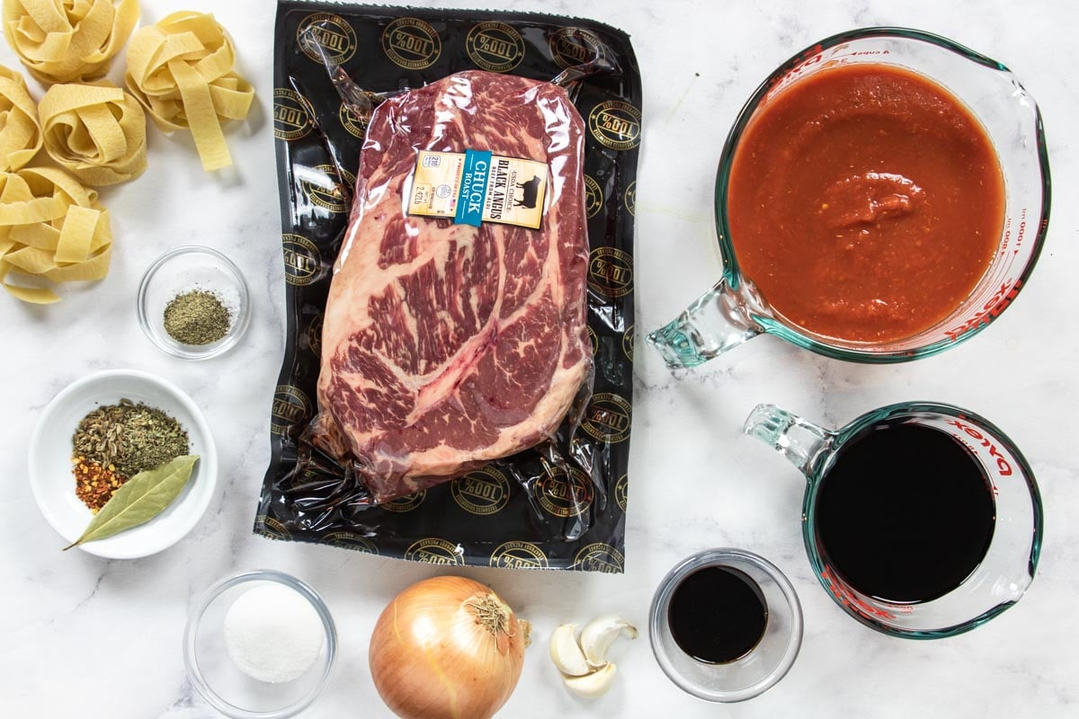 ingredients for making beef ragu in the instant pot
