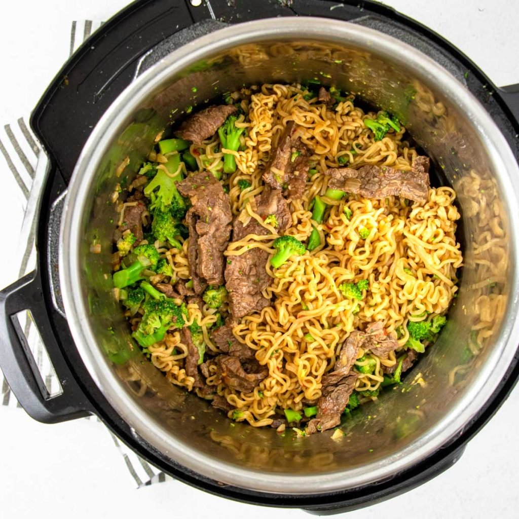 ramen, beef and broccoli in the Instant Pot