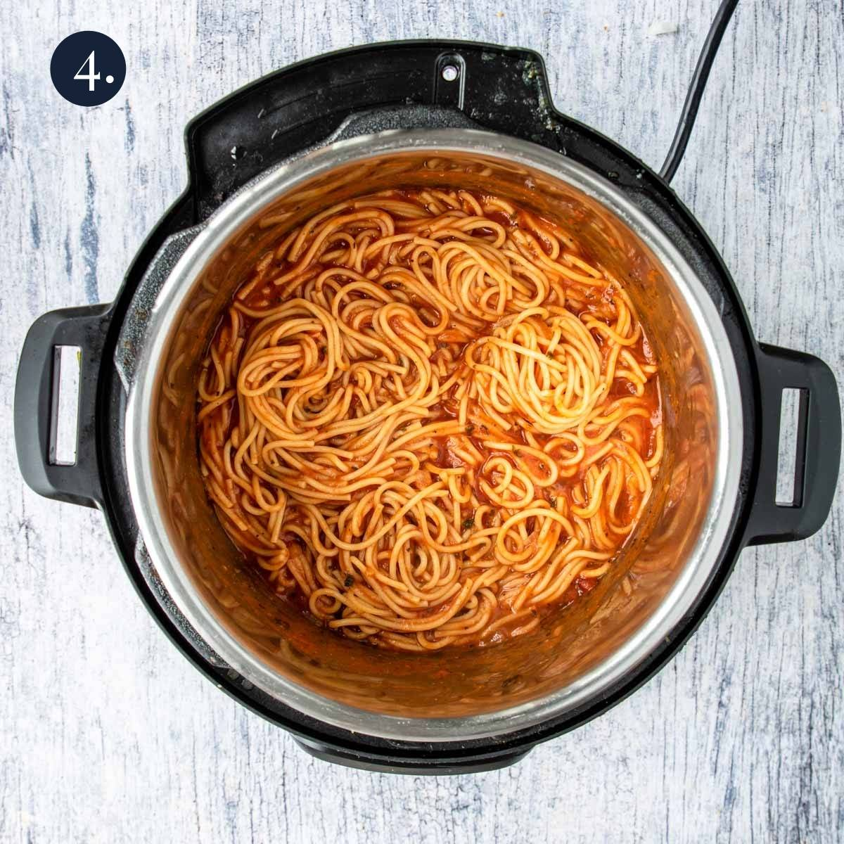 cooked spaghetti in the instant pot