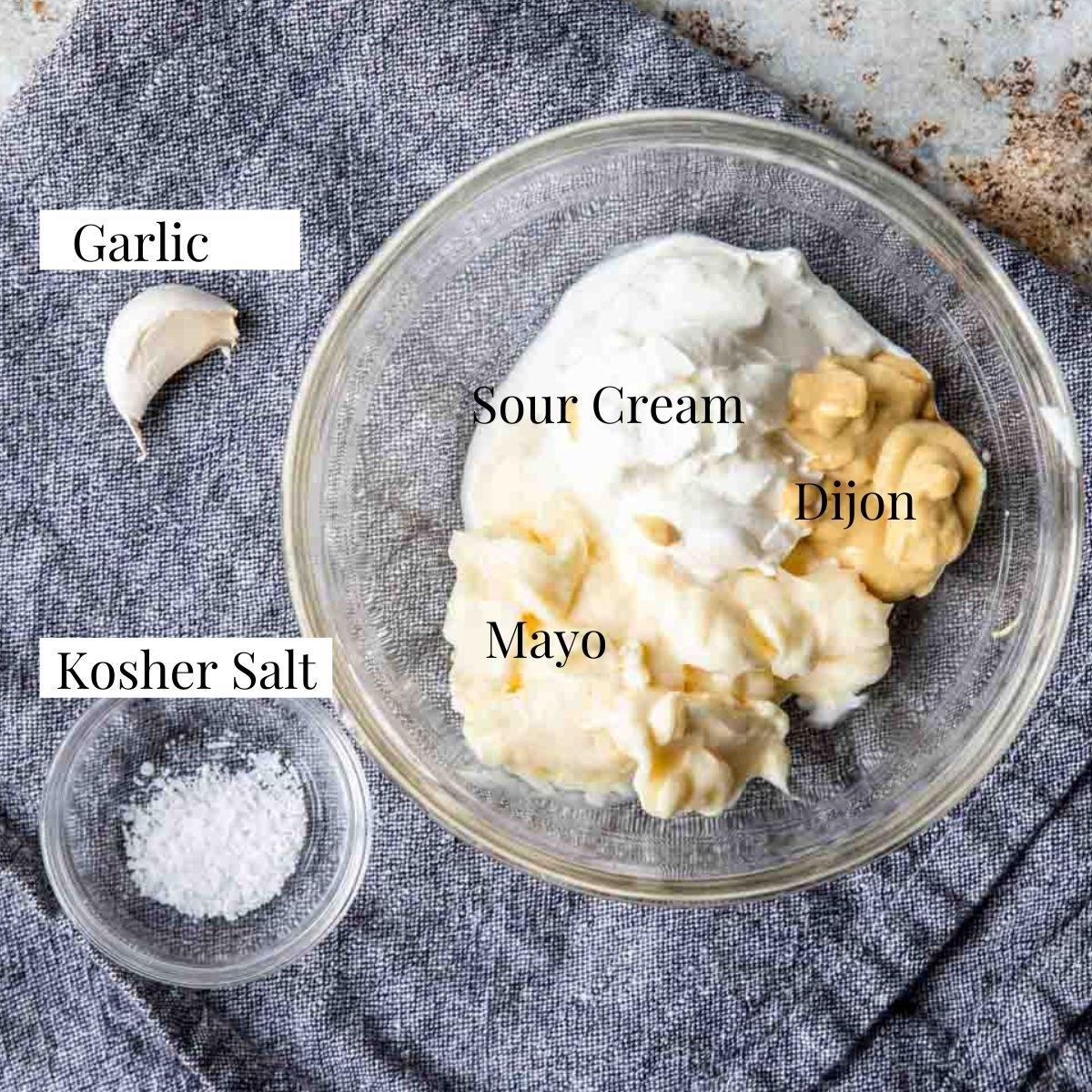 ingredients to make garlic cream sauce