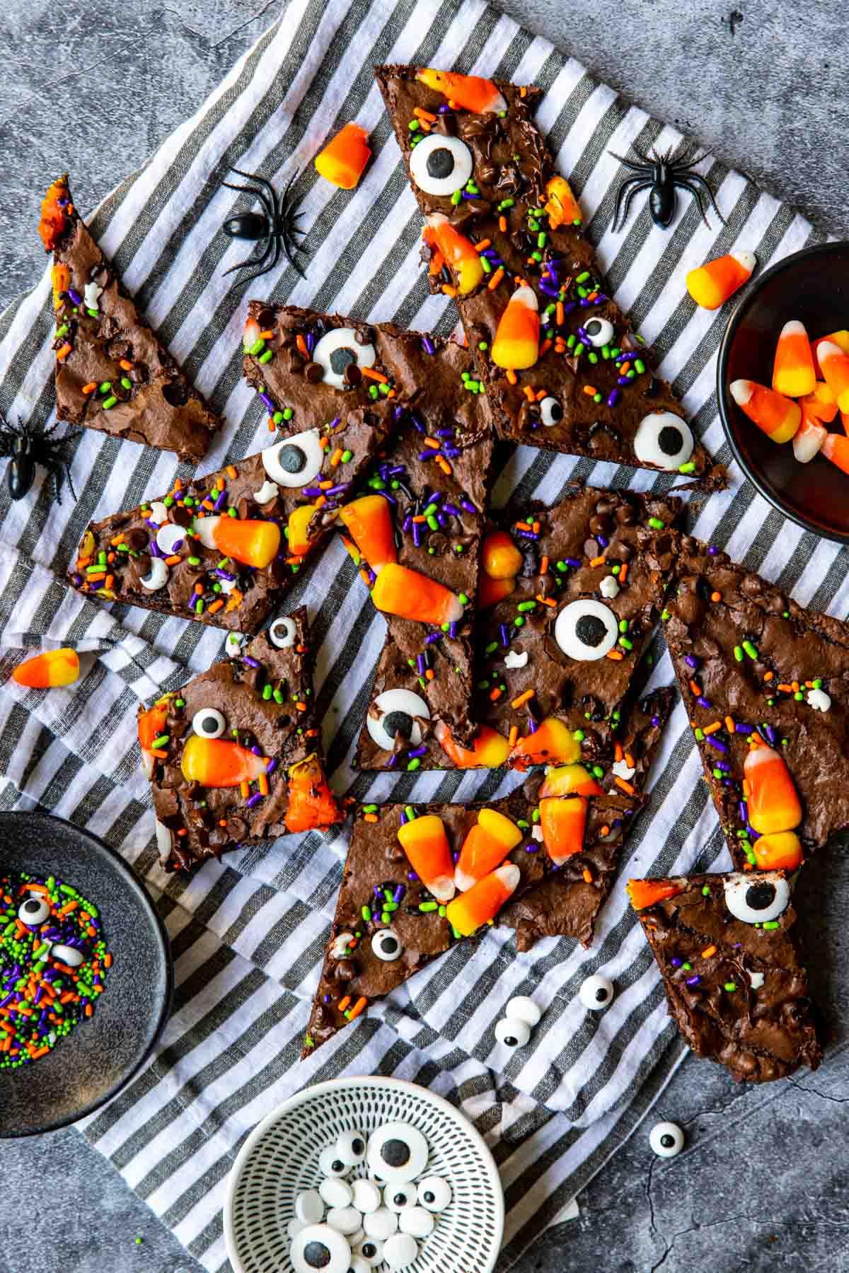 chocolate brownie brittle with Halloween decor